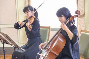 挙式の演奏はヴァイオリンとチェロのデュオです